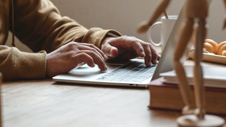 Mötesetik för onlinemöten